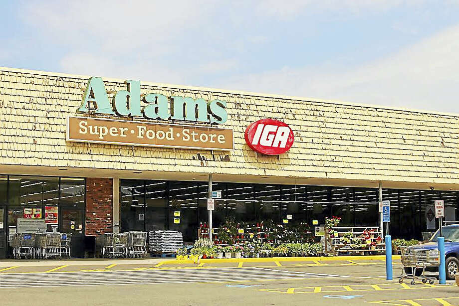 Adams Super Food Store in Derby Photo: Jean Falbo-Sosnovich — New Haven Register