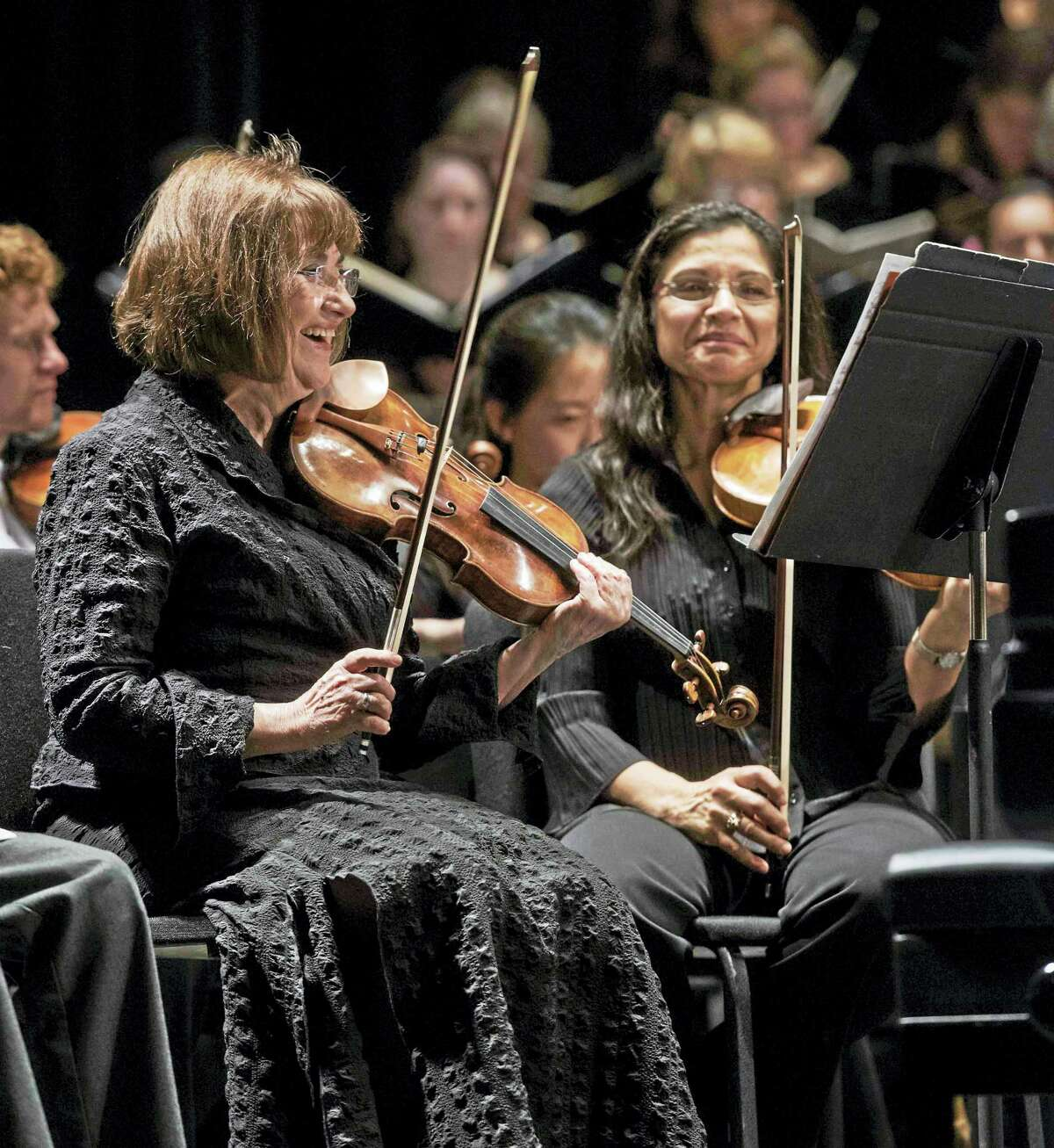 Ani Kavafian, left, with the New Haven Symphony.