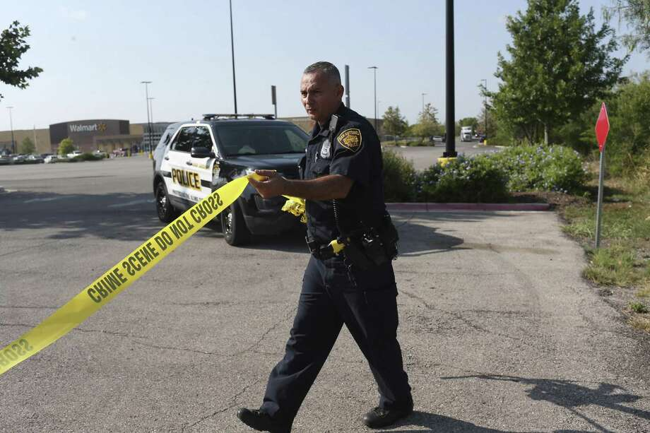 San Antonio law enforcement saw a reported 10,754 violent crimes in 2016, according to the latest data available by the FBI. Data for 2017 has not yet been released.  Photo: JERRY LARA / San Antonio Express-News / San Antonio Express-News