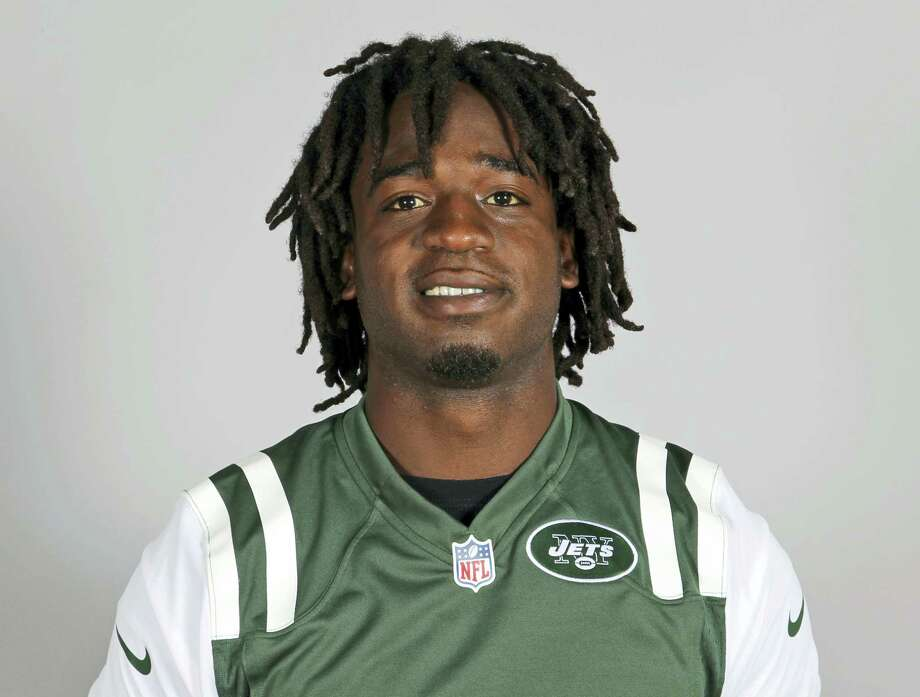 FILE - This is a 2013 file photo showing New York Jets running back Joe McKnight. Former NFL player McKnight has been shot to death following an argument at an intersection with another motorist. Jefferson Parish (La.) Sheriff Newell Normand says it happened about 2:43 p.m. Thursday, Dec. 1, 2016, in Terrytown, a suburb of New Orleans. (AP Photo/File) Photo: AP / NFLPV AP