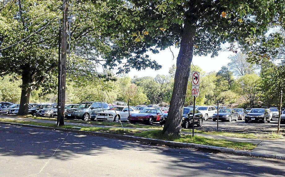 The parking lot at Willow Street and Mitchell Drive in New Haven. Photo: Mary O'Leary — New Haven Register