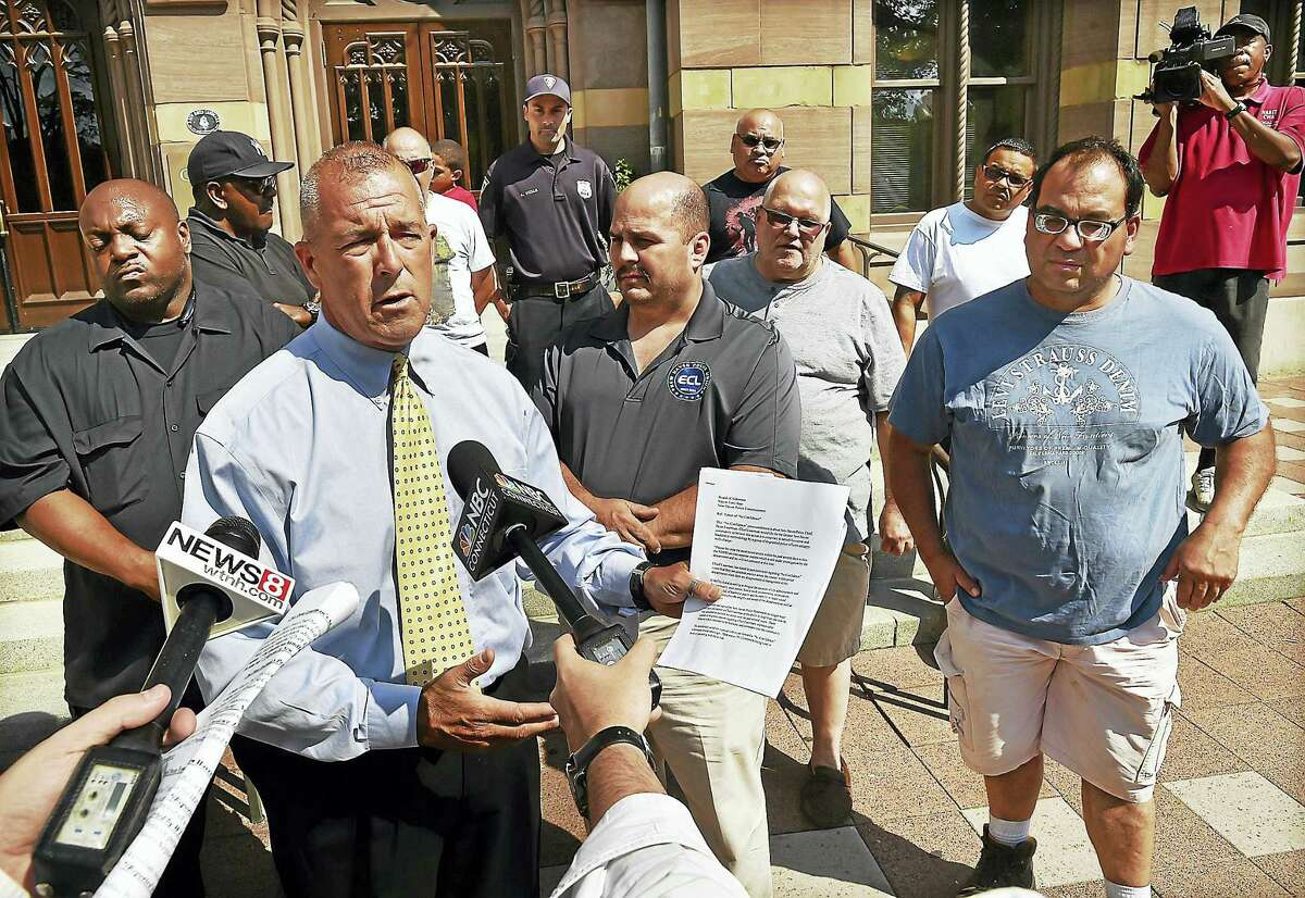 David Guliuzza, president of the New Haven Police Elm City Local Inc., speaks at a press conference Wednesday about the planned no-confidence vote.