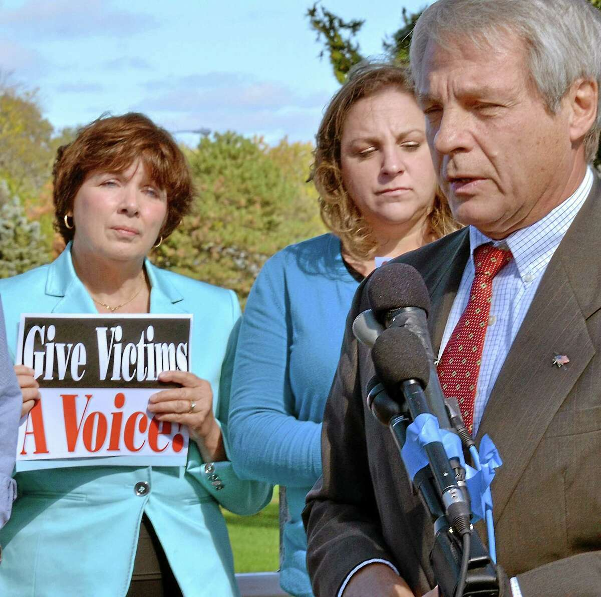 Former state Sen. Len Suzio, R-Meriden, speaks about the need for the state victim advocate.
