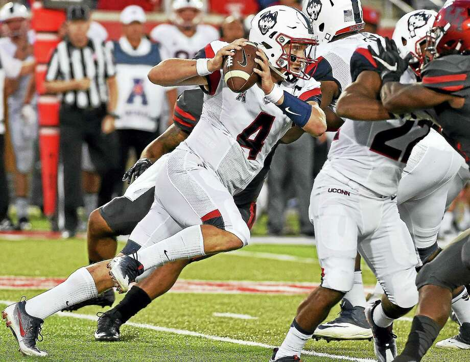 UConn quarterback Bryant Shirreffs. Photo: The Associated Press File Photo   / FR171023 AP