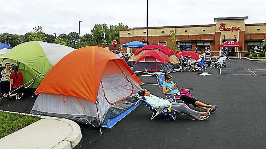 Shahid Abdul-Karim — New Haven RegisterPeople camp out in anticipation of the opening of the Chick-Fil-A in North Haven Wednesday. Photo: Journal Register Co.