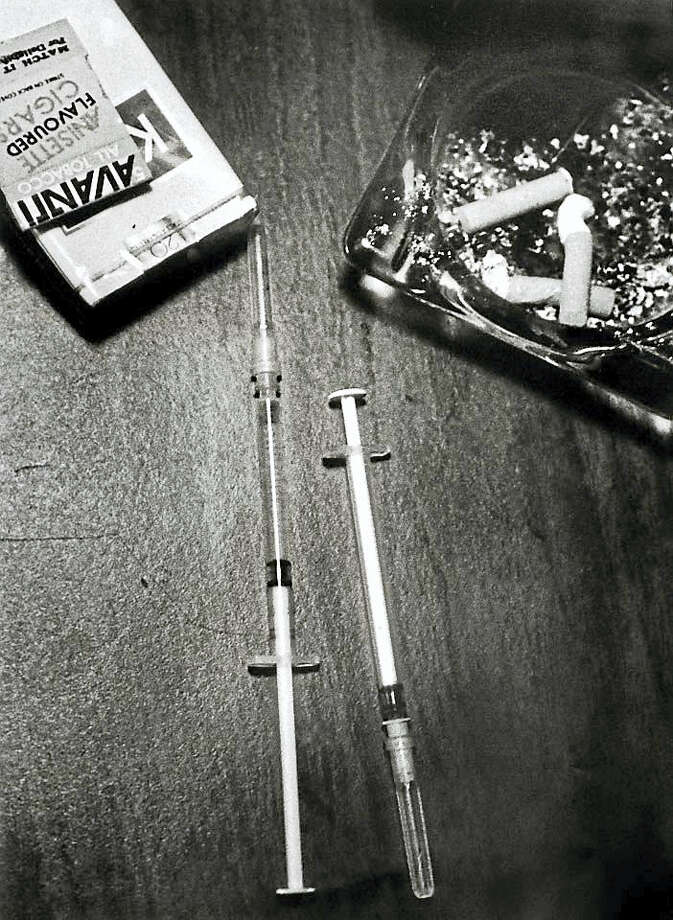 Syringes that will inject a mixture of heroin and cocaine, aka, speedball. Photo: Peter Hvizdak - New Haven Register   / ?2008 Peter Hvizdak