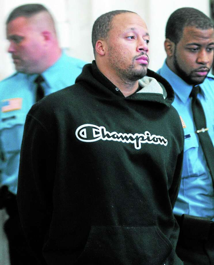 Adrian Bennett is brought in for an arraignment at Superior Court in New Haven in November 2013 in connection with a shooting at the Key Club. Photo: Arnold Gold — New Haven Register FILE PHOTO
