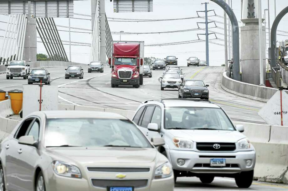 A lane was opened up going over the Pearl Harbor Memorial Bridge in May to allow three lanes of traffic to continue on Interstate 95 southbound through New Haven. Photo: Arnold Gold — New Haven Register