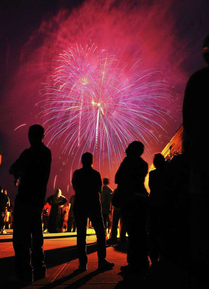 Thousands gathered to watch the West Haven fireworks along the boardwalk near Savin Rock in West Haven July 3, 2011 Photo: File Photo — Peter Casolino/New Haven Register
