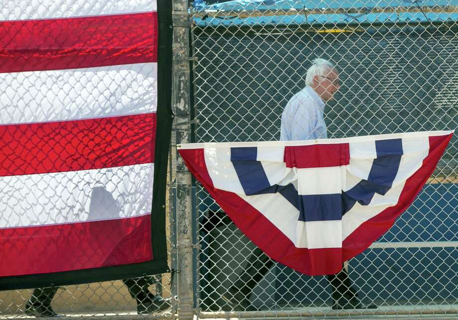 Democratic presidential candidate Sen. Bernie Sanders, I-Vt., arrives at a campaign rally in Cathedral City, Calif., Wednesday, May 25, 2016. Photo: AP Photo/Damian Dovarganes    / Damian Dovarganes