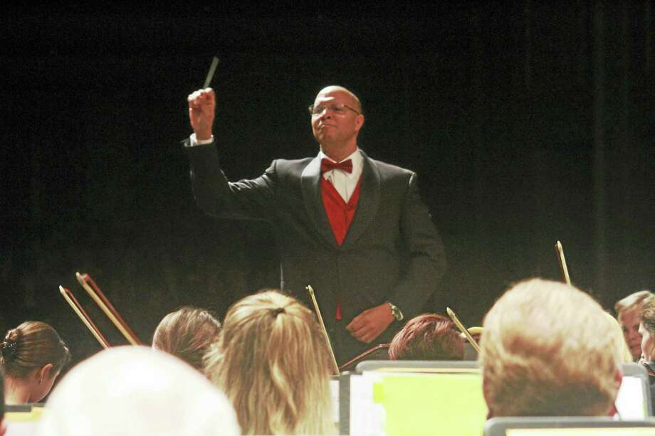 NHSO photo  Chelsea Tipton conducts the New Haven Symphony. Photo: Journal Register Co.