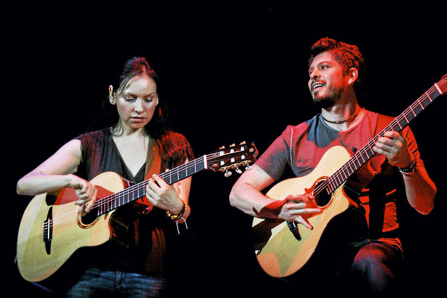 Rodrigo y Gabriela Photo: Contributed