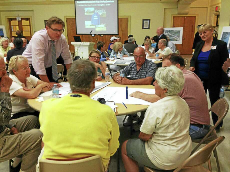 Small groups chart West Haven's assets, areas for improvement and priorities Thursday night as part of process to write new Plan of Conservation and Development. Photo: Mark Zaretsky — New Haven Register