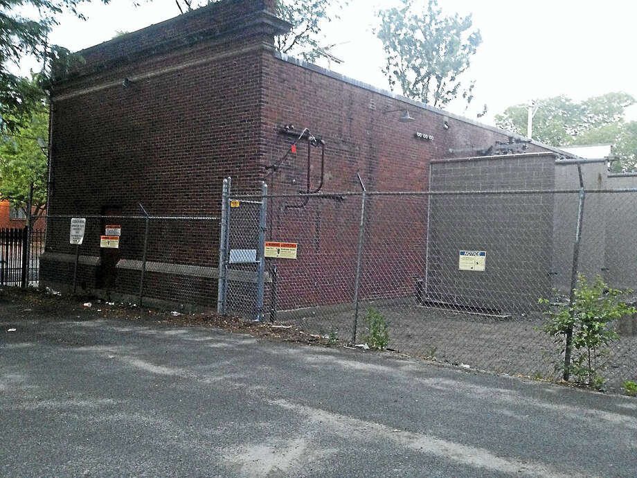 A UI low-voltage substation on Court Street in New Haven will be demolished in September. Photo: Mary O'Leary — New Haven Register