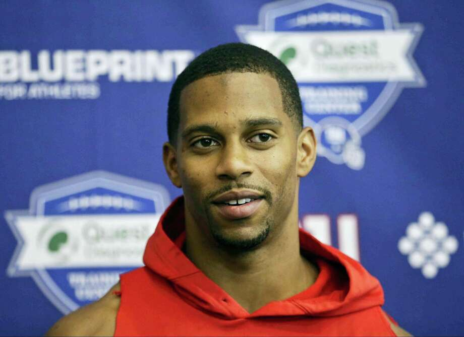 Giants wide receiver Victor Cruz responds to questions from reporters after minicamp practice on Tuesday in East Rutherford, N.J. Photo: Frank Franklin II — The Associated Press   / Copyright 2016 The Associated Press. All rights reserved. This material may not be published, broadcast, rewritten or redistributed without permission.