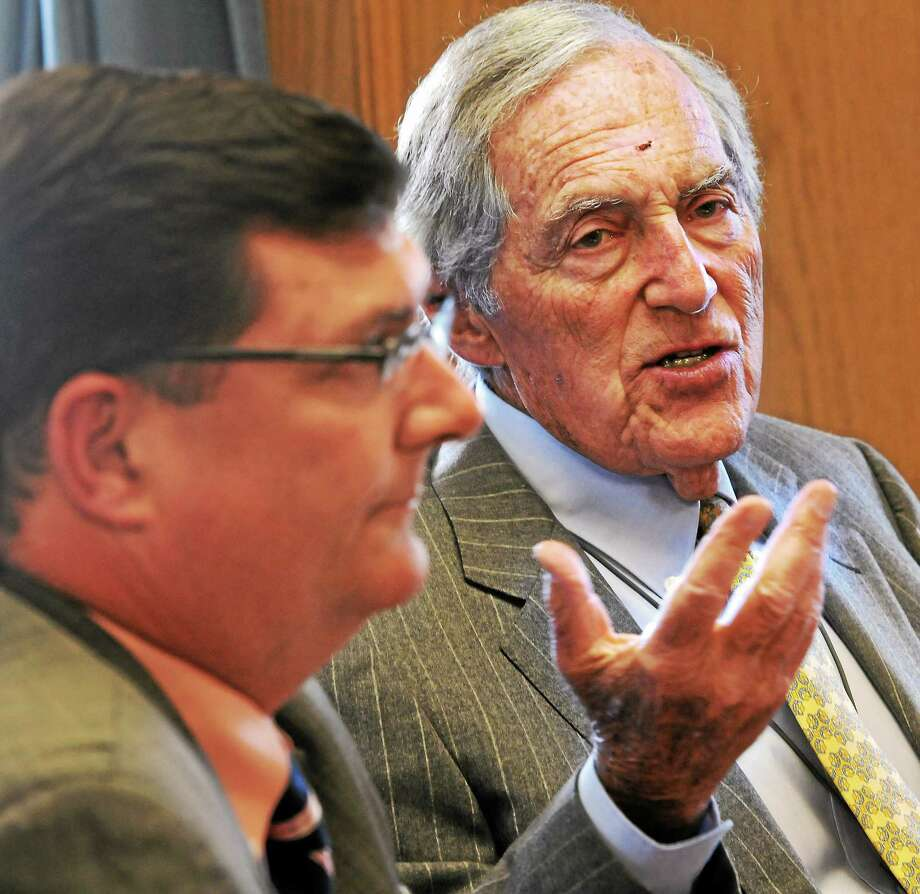 West Haven Mayor Edward O'Brien, left, and developer Sheldon Gordon in a 2014 meeting. Photo: Mara Lavitt — New Haven Register File Photo   / Mara Lavitt