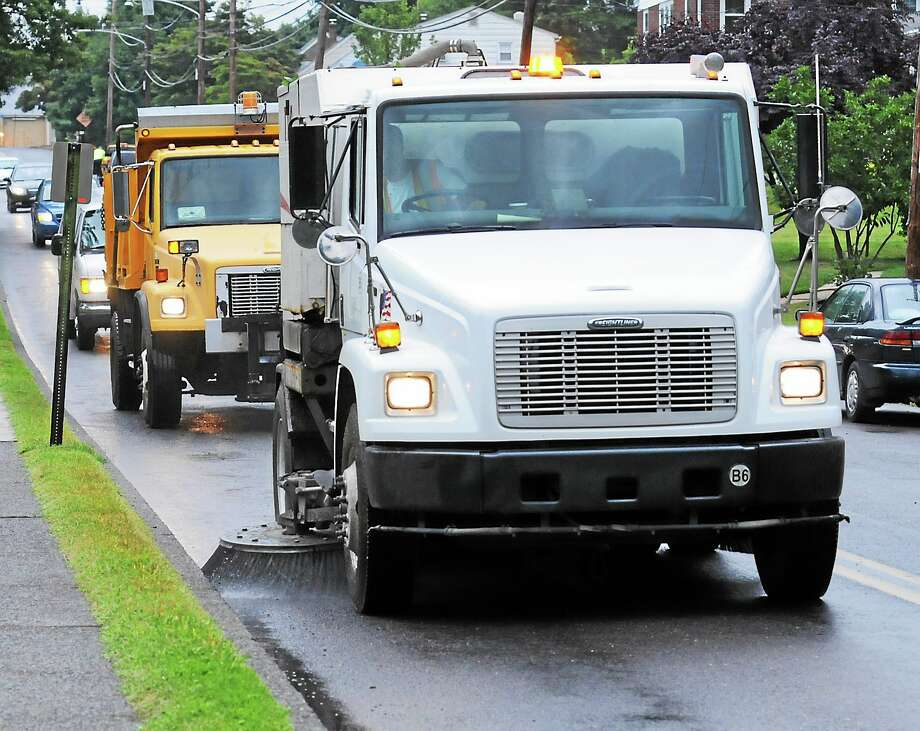 Street sweeping in New Haven begins Friday, April 1 and runs through Halloween. Photo: John Strickler — The Mercury File Photo