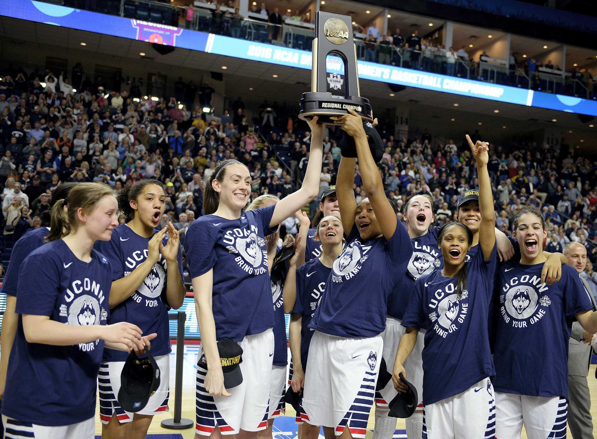 est womens basketball title - 920×677