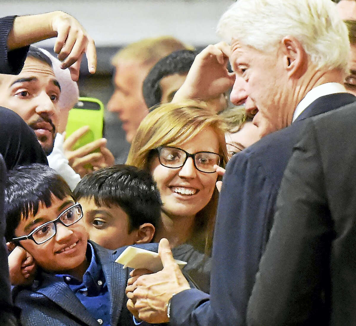 Clinton meets supporters Monday in New Haven,