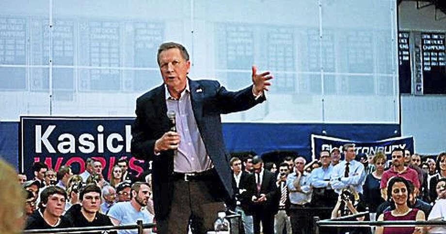 Ohio Gov. John Kasich campaigns for the Republican presidential nomination at Glastonbury High School Friday. Photo: Steve Majerus-Collins — CTNewsJunkie