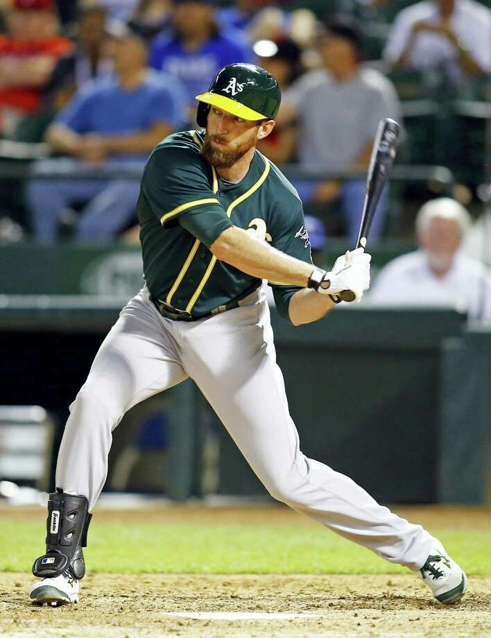 Ike Davis and the Yankees finalized a one-year deal on Monday. Photo: Mike Stone — The Associated Press   / FR159596 AP