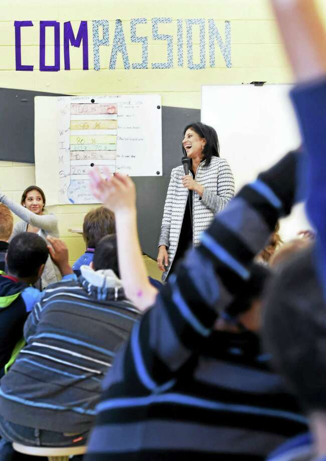 Ramani Durvasula, a psychologist, shares the concept of empathy with Wintergreen Interdistrict Magnet School seventh- and eighth-grade students at the Hamden school Tuesday. Photo: PETER HVIZDAK — NEW HAVEN REGISTER   / ©2016 Peter Hvizdak