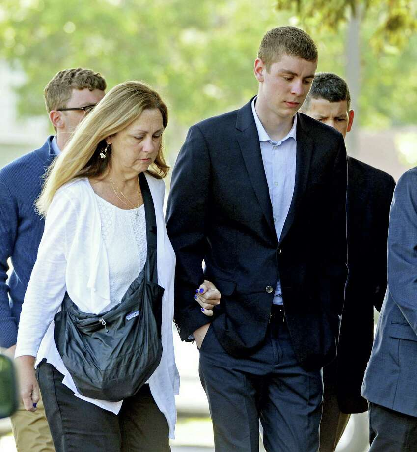 Brock Turner, right, makes his way into the Santa Clara Superior Courthouse in Palo Alto, California. Photo: Dan Honda — Bay Area News Group Via AP   / Bay Area News Group