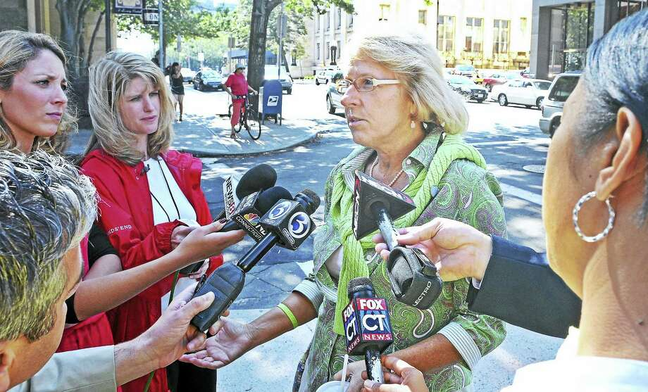 Cindy Hawke-Renn, sister of Jennifer Hawke-Petit, speaks to reporters during the trial of Joshua Komisarjevsky in 2011. Photo: NEW HAVEN REGISTER FILE PHOTO