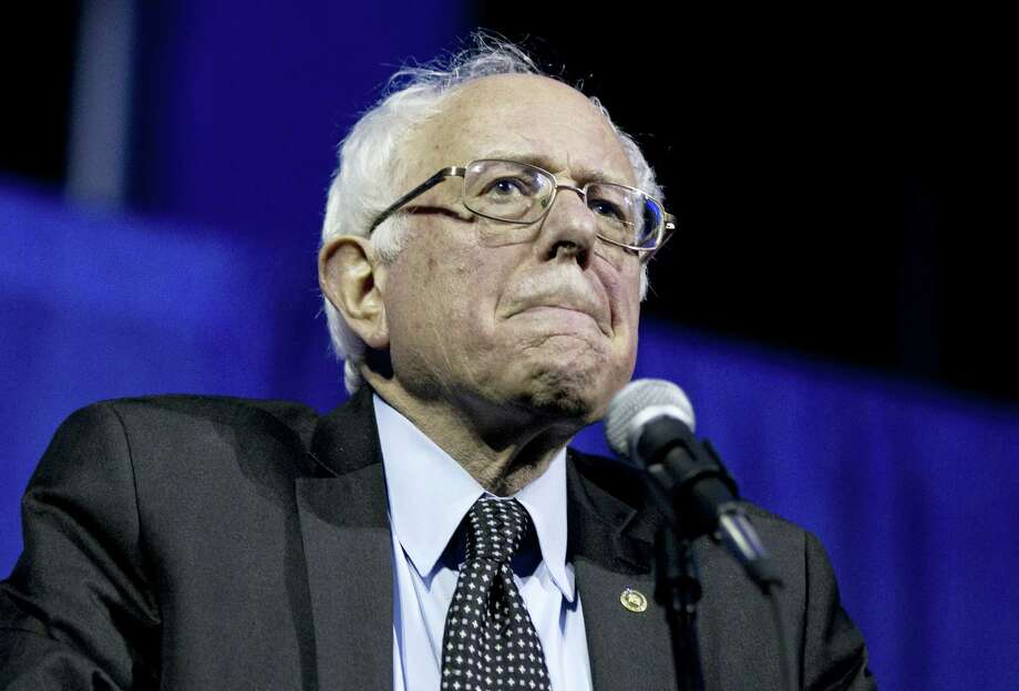 Democratic presidential candidate, Sen. Bernie Sanders, I-Vt., pauses as he speaks at the Ohio Democratic Party Legacy Dinner at the Greater Columbus Convention Center in Columbus, Ohio on March 13, 2016. Photo: AP Photo/Carolyn Kaster   / AP