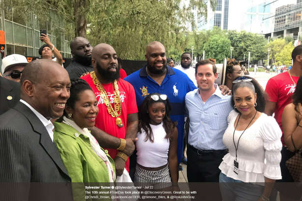Hundreds of Houstonians were treated to a weekend full of Trae Day 2017 as Houston rapper Trae Tha Truth gave back to his hometown. Source:  Twitter