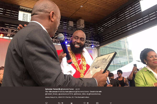 e089c6cd2973 2of24Hundreds of Houstonians were treated to a weekend full of Trae Day  2017 as Houston rapper Trae Tha Truth gave back to his hometown.