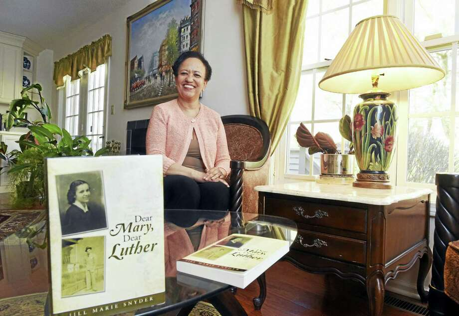"""Jill Marie Snyder of Hamden, who wrote """"Dear Mary, Dear Luther,"""" a book containing her parents' love letters. Photo: Peter Hvizdak — New Haven Register   / ©2016 Peter Hvizdak"""