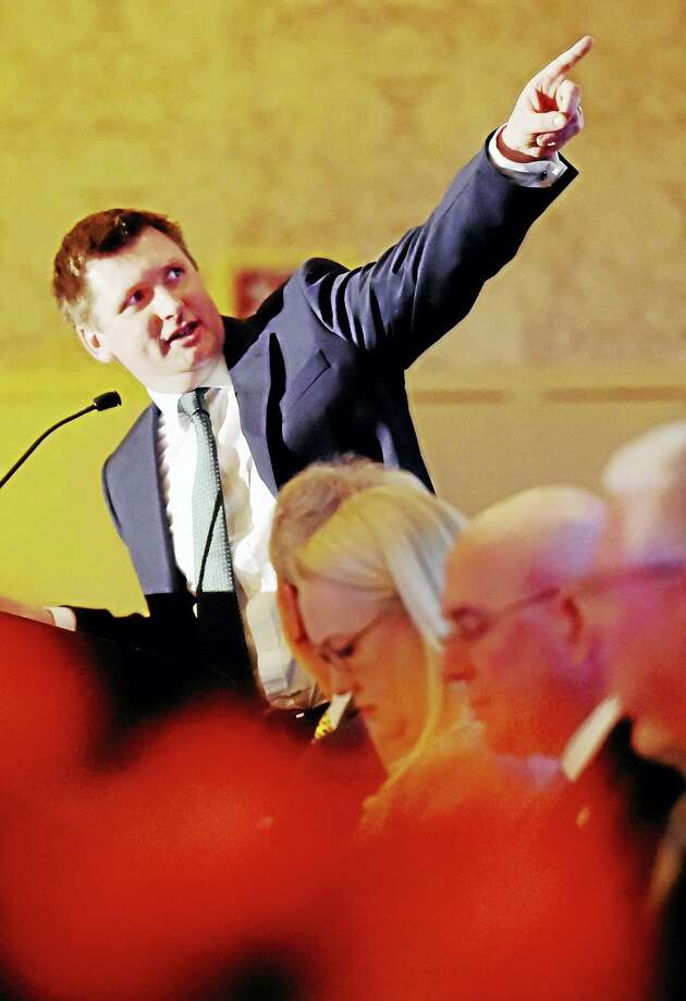 Keith Butler, chief commercial officer for Aer Lingus airline, gives the keynote address Thursday during the chamber's annual meeting at the Omni New Haven Hotel at Yale. Photo: Peter Hvizdak — New Haven Register   / ©2016 Peter Hvizdak