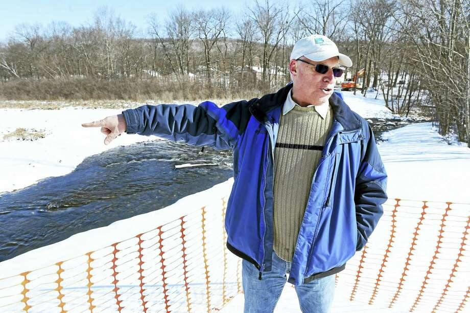 John Champion, director of Green Projects for Save the Sound, talks about the demolition of the Pond Lily Dam and the return to a flowing West River in New Haven. Photo: Arnold Gold — New Haven Register