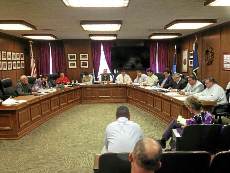 MARK ZARETSKY — NEW HAVEN REGISTER  The West Haven City Council Thursday. Photo: Journal Register Co.