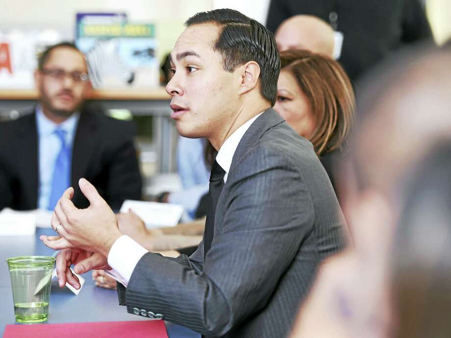 U.S. Department of Housing and Urban Development Secretary Julian Castro has a roundtable discussion with Latino community leaders at the Christopher Columbus Family Academy in New Haven Friday. Photo: Arnold Gold — New Haven Register
