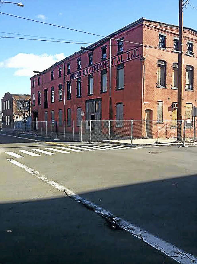 View of 146 River St., which will be demolished. Photo: Mary O'Leary — New Haven Register