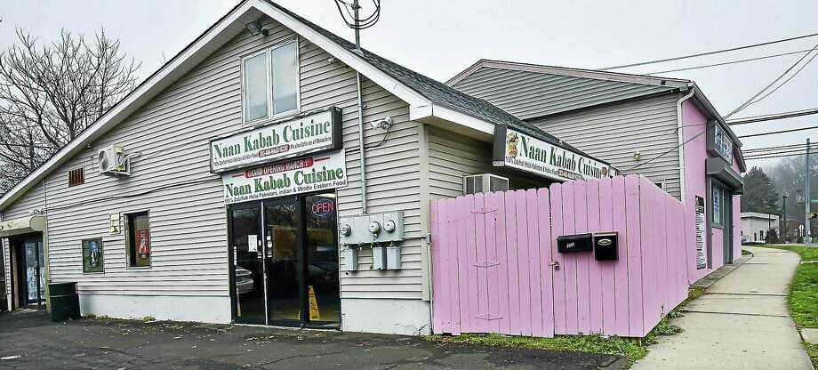 Naan Kabab Cuisine is at 405 Foxon Blvd. in New Haven. Photo: Catherine Avalone — New Haven Register   / New Haven RegisterThe Middletown Press