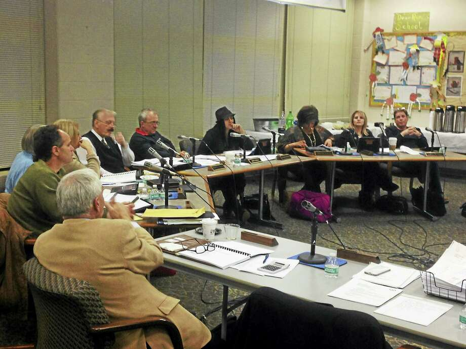 East Haven Board of Education members meet Tuesday night. Photo: Juliemar Ortiz — New Haven Register