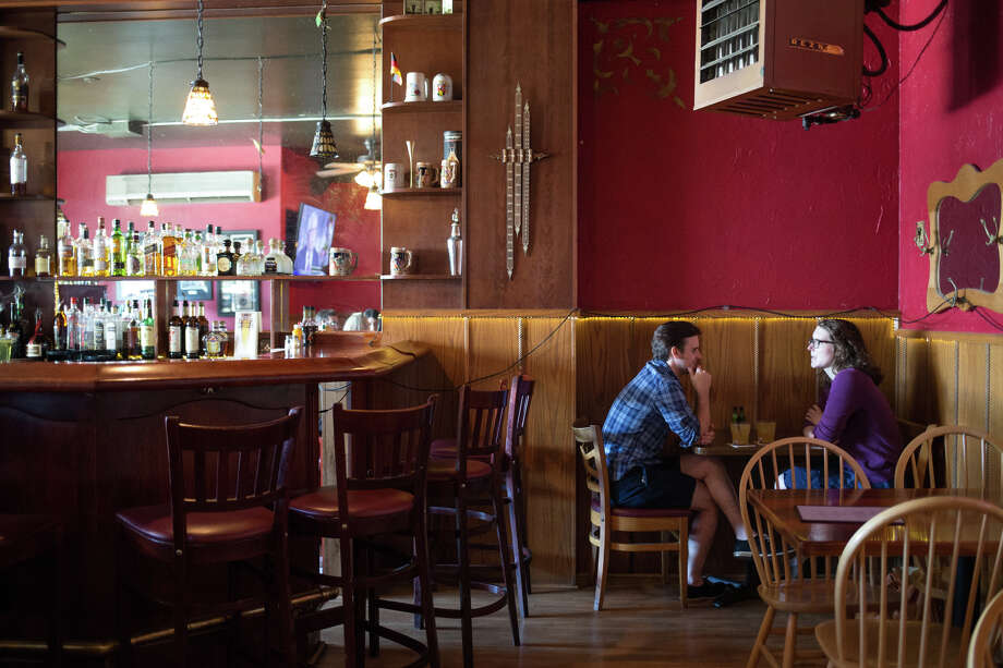 The People's Pub on Ballard Ave NW before its closing in August, seen on Saturday, July 22, 2017. Photo: GRANT HINDSLEY, SEATTLEPI.COM / SEATTLEPI.COM