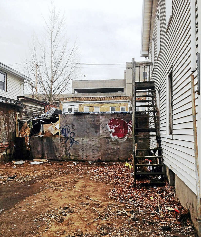 Rear view of dilapidated shed at 1385 Chapel St. that has been ordered demolished. Photo: MARY O'LEARY/NEW HAVEN REGISTER