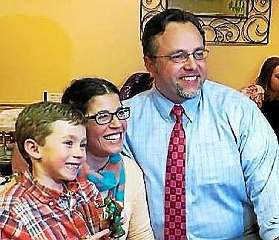 Mayor Curt Balzano Leng, his wife, Stefanie Cervoni Leng, and their son, Cooper, after Leng officially announced his mayoral bid in April 2015. Photo: Ethel Garcia — For The Register