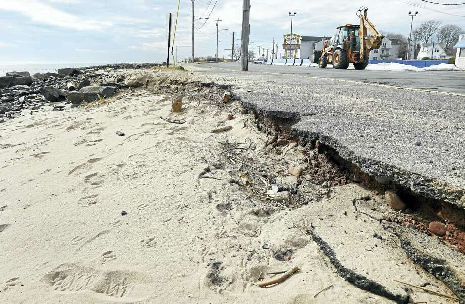 ARNOLD GOLD — NEW HAVEN REGISTER  Erosion along Beach Street, across from the former Chick's Drive-In in West Haven. Photo: Journal Register Co.