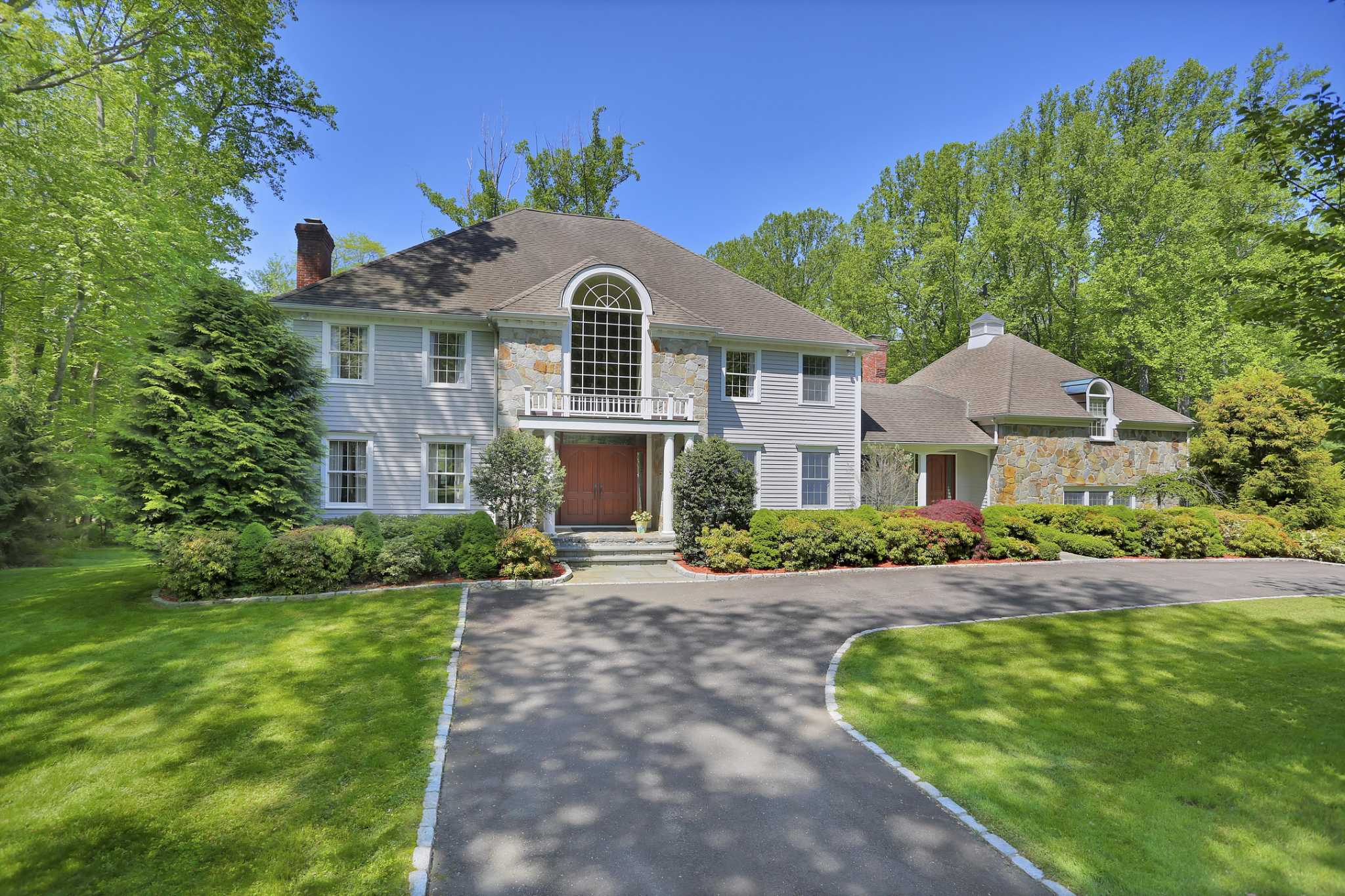On The Market Fairfield House In A Gated Community