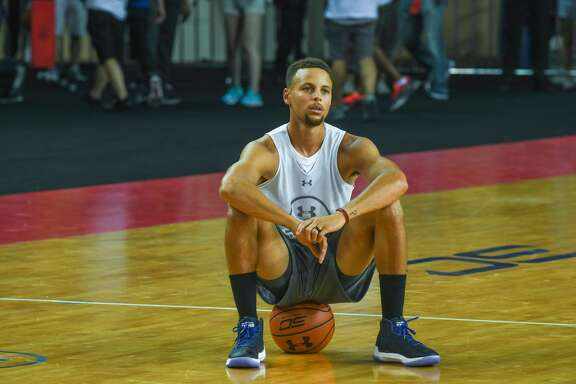 NBA star Stephen Curry of Golden State Warriors meets fans at University of Electronic Science and Technology of China on July 24, 2017 in Chengdu, China.  (Photo by VCG/VCG via Getty Images)