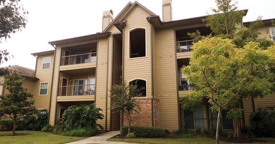 Lloyd Jones Capital has acquired the Regatta Bay Apartments from FRBH Regatta Bay. The property is located at 2555 Repsdorph Road in Seabrook. Photo: Lloyd Jones Capital