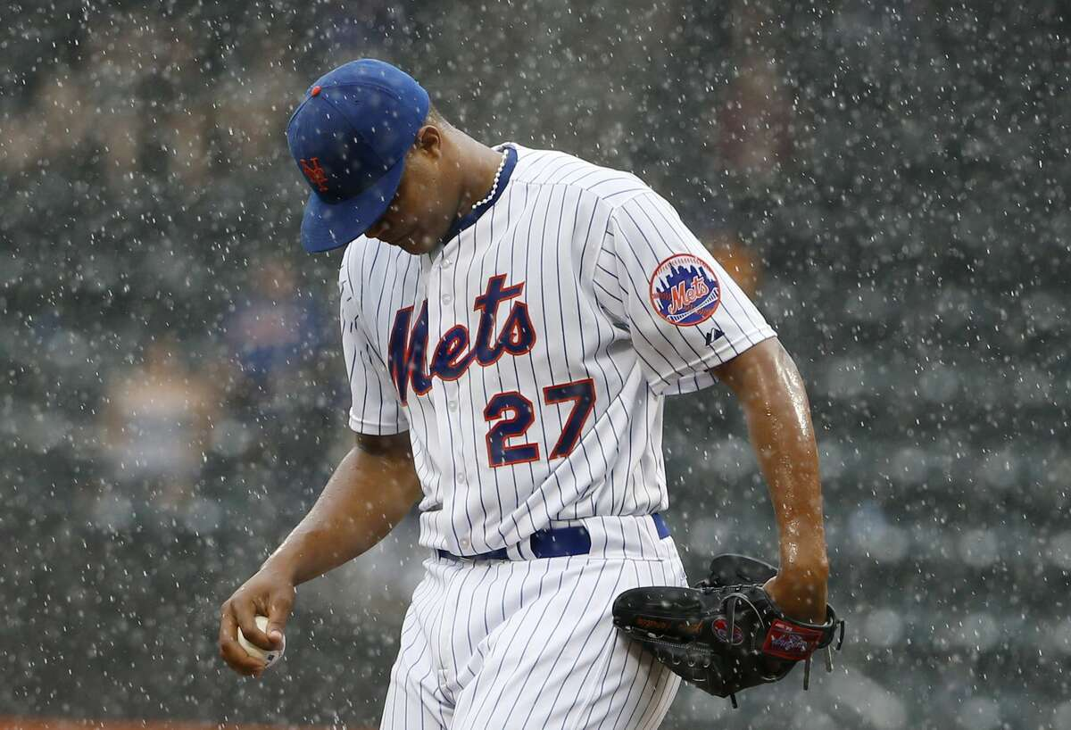 New York Mets relief pitcher Jeurys Familia (27) reacts on the mound after allowing a go-ahead, ninth-inning, three-run, home run to San Diego Padres' Justin Upton in a baseball game in New York, Thursday, July 30, 2015. (AP Photo/Kathy Willens)