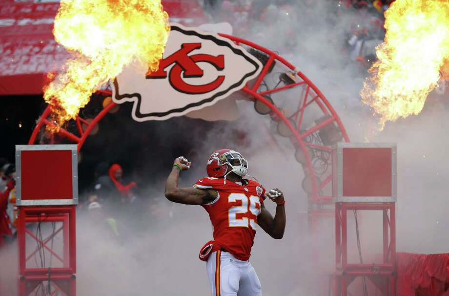 Kansas City Chiefs strong safety Eric Berry, cleared by the team's medical staff and his doctors after a battery of tests Tuesday, is returning to the practice field less than eight months after a stunning cancer diagnosis. Photo: Ed Zurga — The Associated Press File Photo   / FR34145 AP