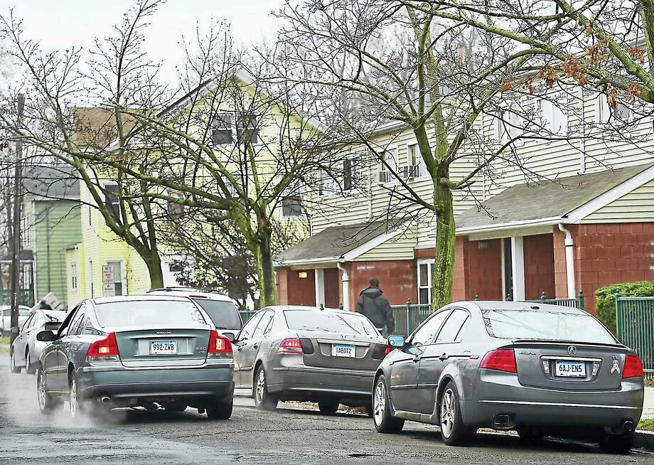 Limited curbside parking on Waverly Street in New Haven Wednesday. Photo: Catherine Avalone — New Haven Register     / New Haven RegisterThe Middletown Press