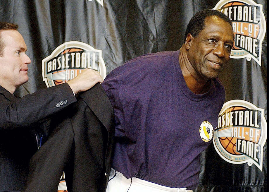"""Meadowlark Lemon, known as the Globetrotters' """"clown prince"""" of basketball, died Sunday in Scottsdale, Ariz. He was 83. Photo: The Associated Press File Photo   / AP"""